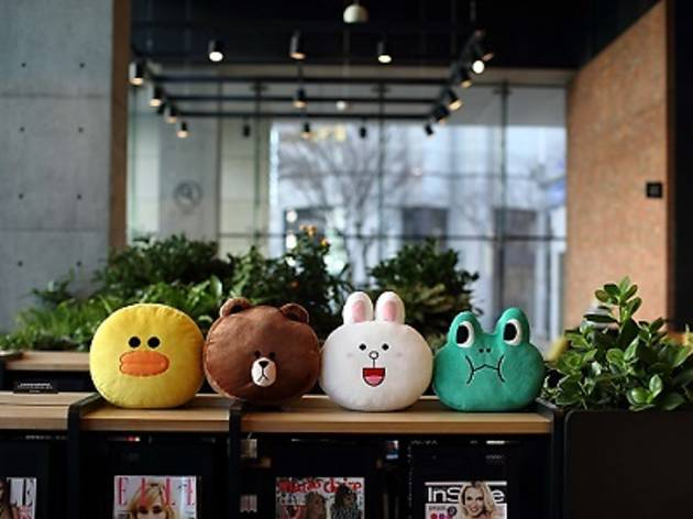 LINE pop-up store
