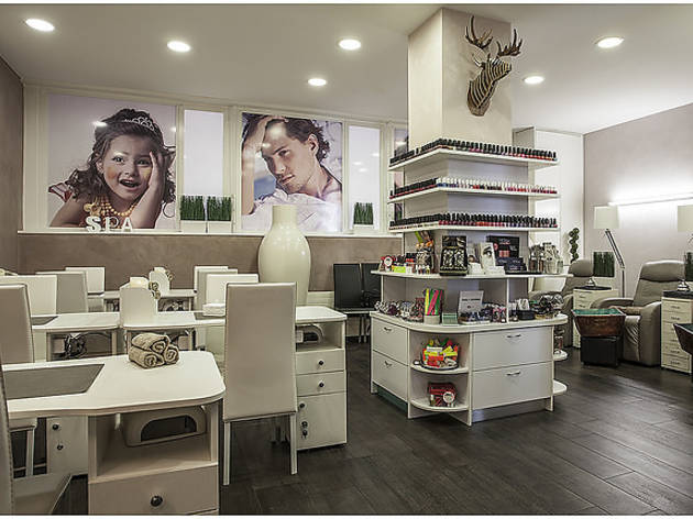 Nail spa and beauty salon in Geneva