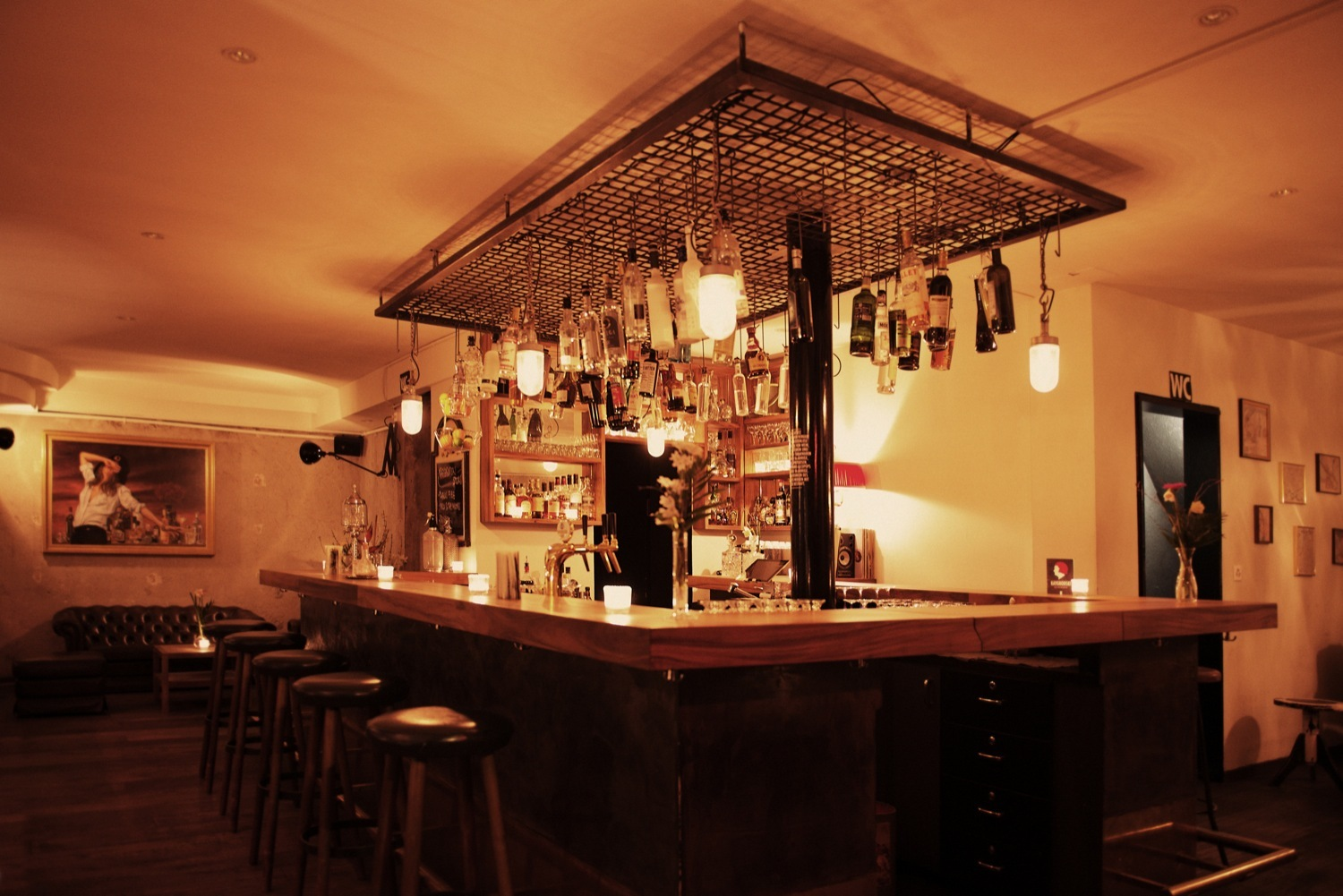 Raygrodski is a cocktail bar in Zurich
