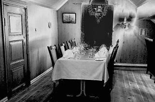 Dinner with a Ghost