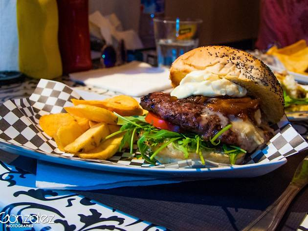 la vespa burger bar