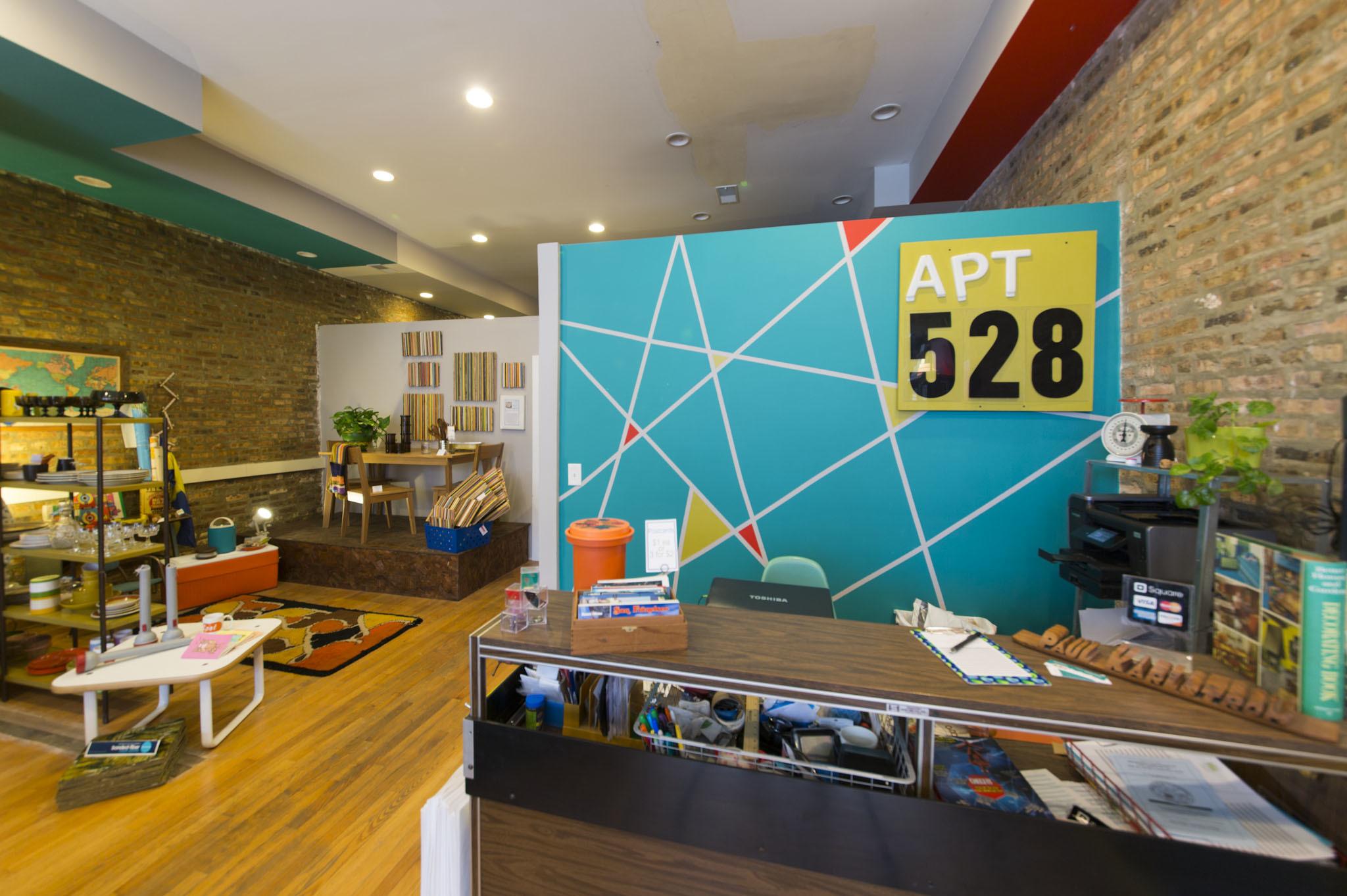 Apartment 528