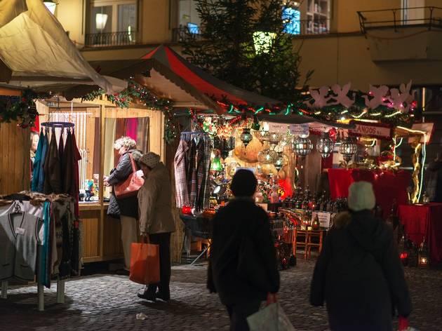 Weihnachtsmarkt im Dörfli • Zurich