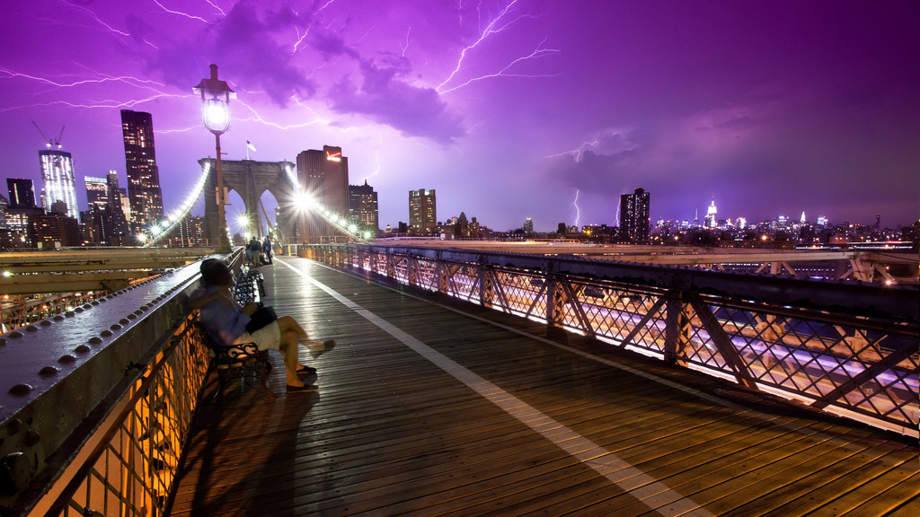 27 heart-stopping photos of NYC in the rain