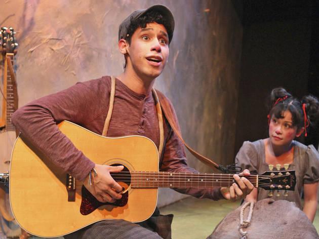 Richard Juarez and Christine Bunuan in Leo Lionni's Frederick at Chicago Children's Theatre