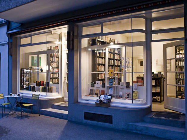 Pile of Books, bookshop Zürich, English language books