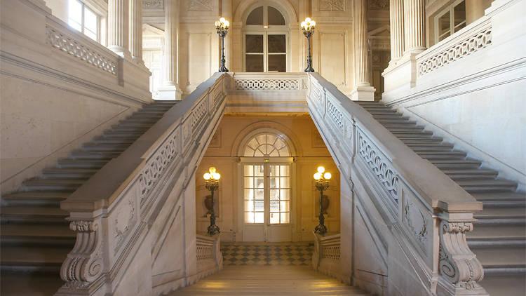 Escalier d'honneur du Palais de Conti / © Gilles Targat
