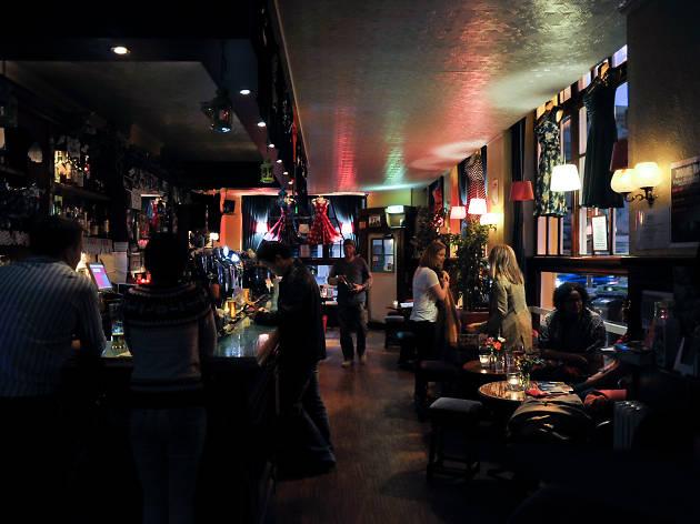 Victoria, Bars, Edinburgh