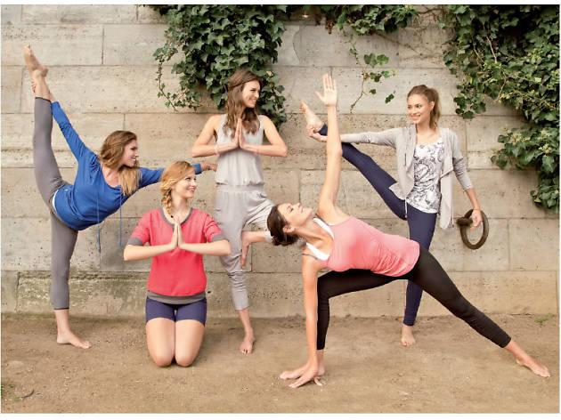 Un cours de yoga entre deux correspondances