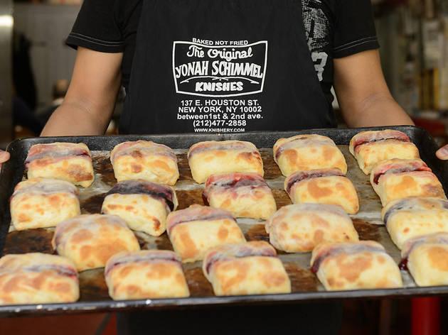Yonah Schimmel Knish Bakery