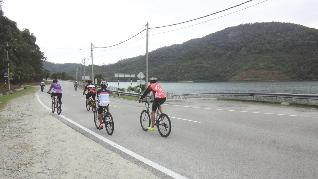 Cycle from Batu Ferringhi to Teluk Bahang for a workout