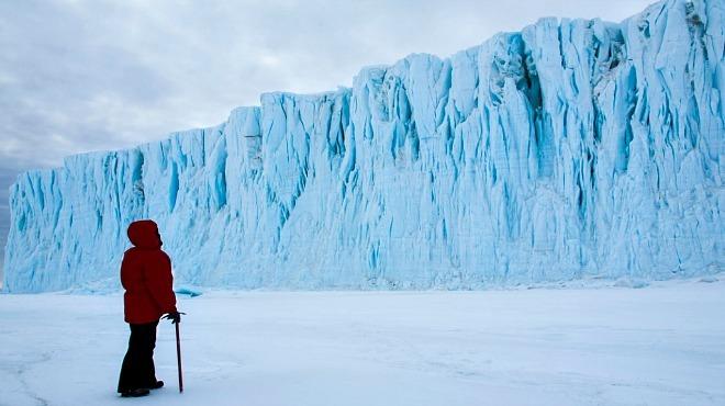 Antarctica: A Year On Ice screening