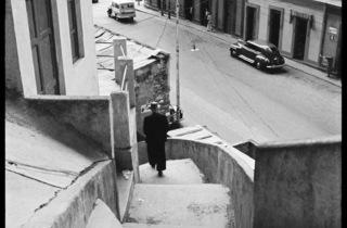 (Carlos Cruz-Diez, 'La Bajada de Las Termópilas', quartier La Pastora, Caracas, Venezuela, 1949 / © Carlos Cruz-Diez)