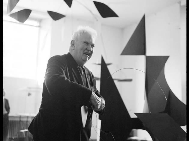 (Carlos Cruz-Diez, 'Alexander Calder', Amsterdam, 1961 / © Carlos Cruz-Diez)