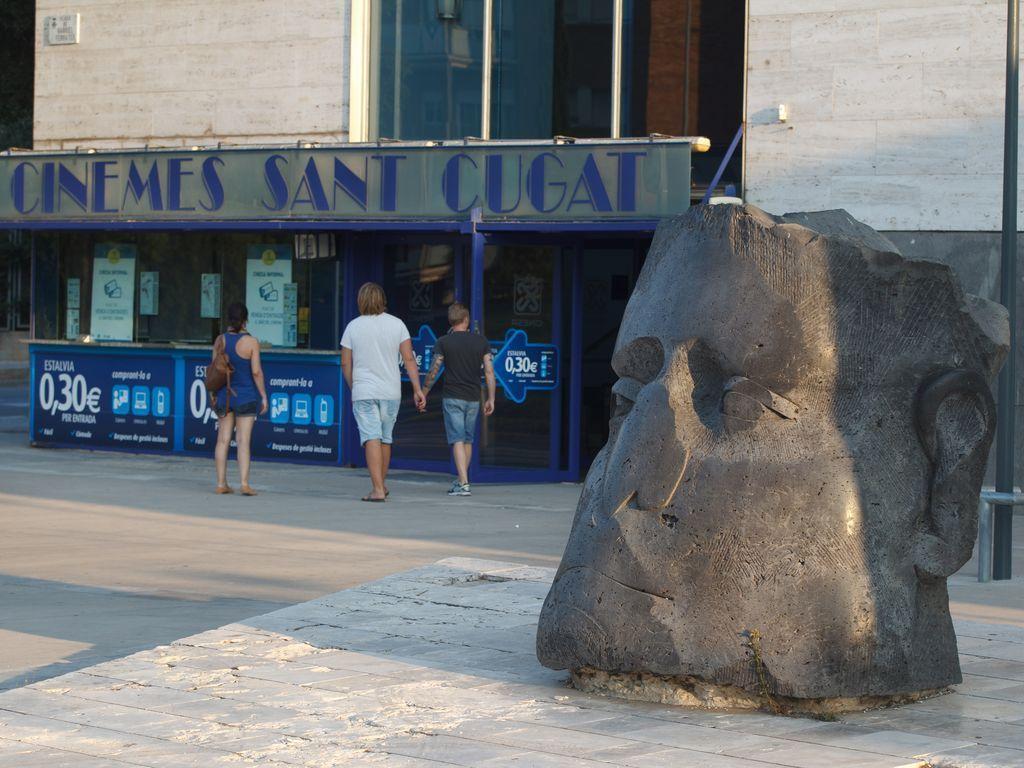 Cinesa sant cugat 3d cinemas in beyond barcelona sant - Placa barcelona sant cugat ...
