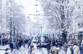 Bahnhofstrasse Zurich shopping winter