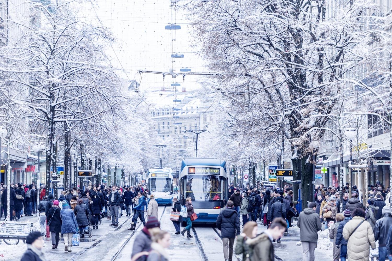 Bahnhofstrasse Zurich shopping winter
