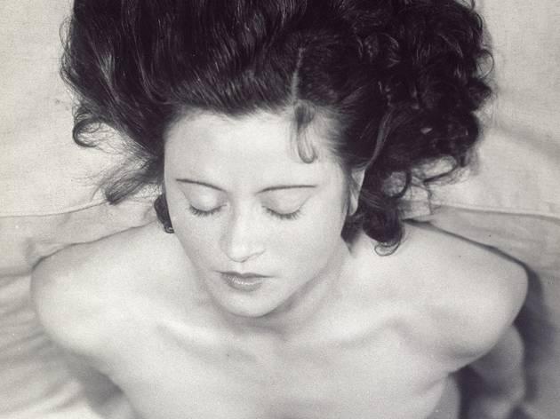 (Jacques-André Boiffard, 'Renée Jacobi', vers 1930 / Photo : © Centre Pompidou, MNAM / CCI, Dist. RMN-GP / image Centre Pompidou, MNAM / CCI / © Mme Denise Boiffard)