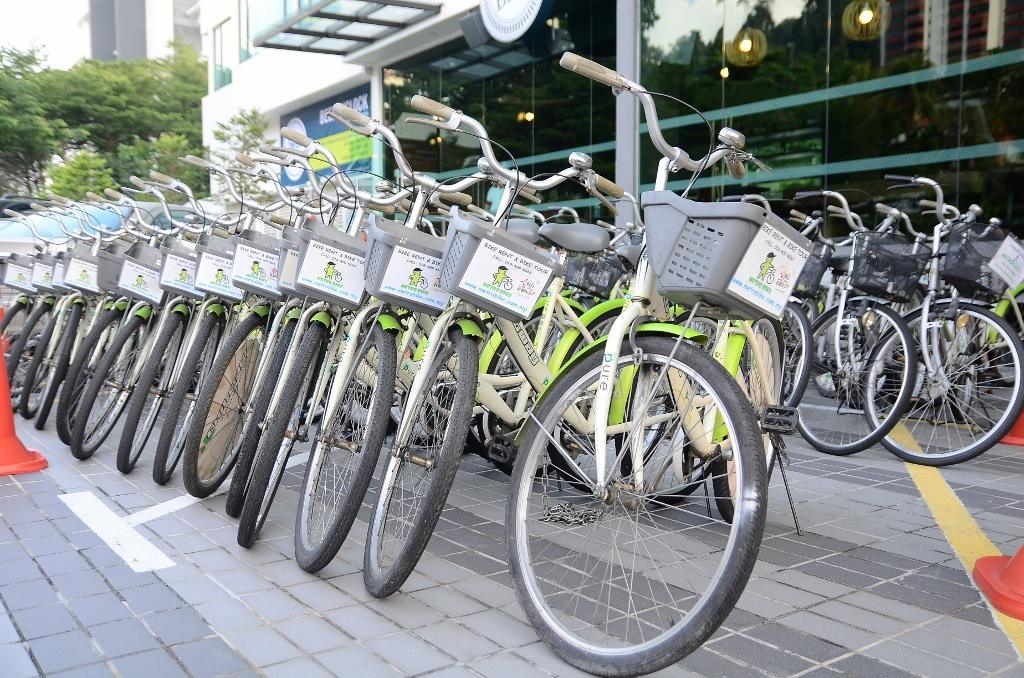 For the eco-conscious: Bike or trishaw tours by Metro Bike