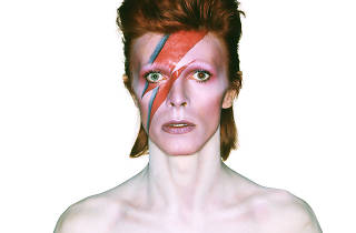 Aladdin Sane (Exposition David Bowie Is / Photo : Duffy / © Duffy Archive & The David Bowie Archive)