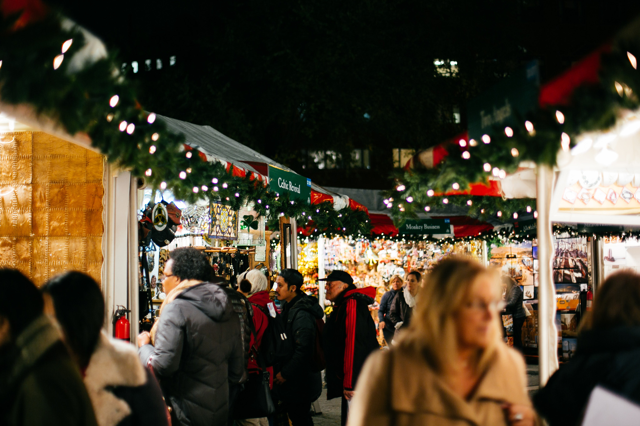 Find a holiday market in NYC