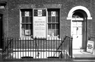 (Facade of the Mothers Clinic for Contructive Birth Control © Wellcome Library, London)