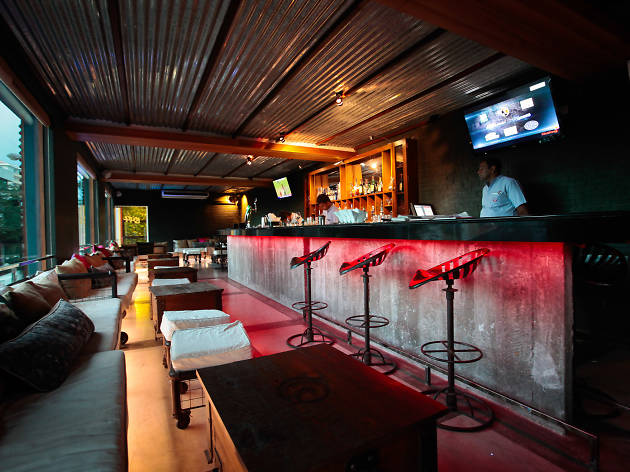 Loft Lounge Bar is a bar in Colombo