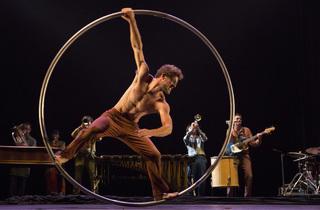 Cirque Pume Tempus Fugit ? (© Yves Petit )