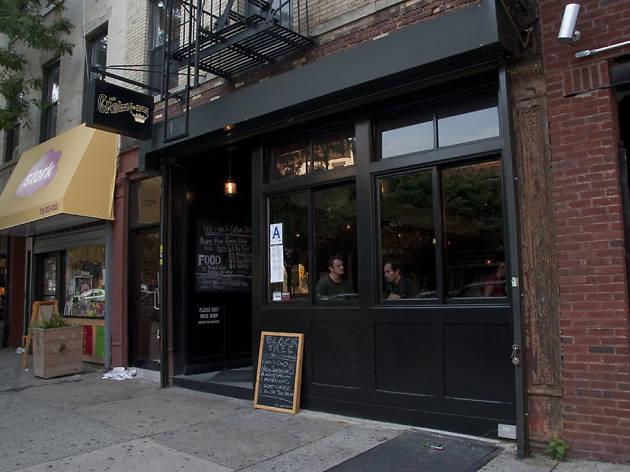 Crown Inn, bars