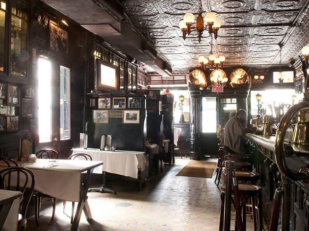 Pete's Tavern, bars