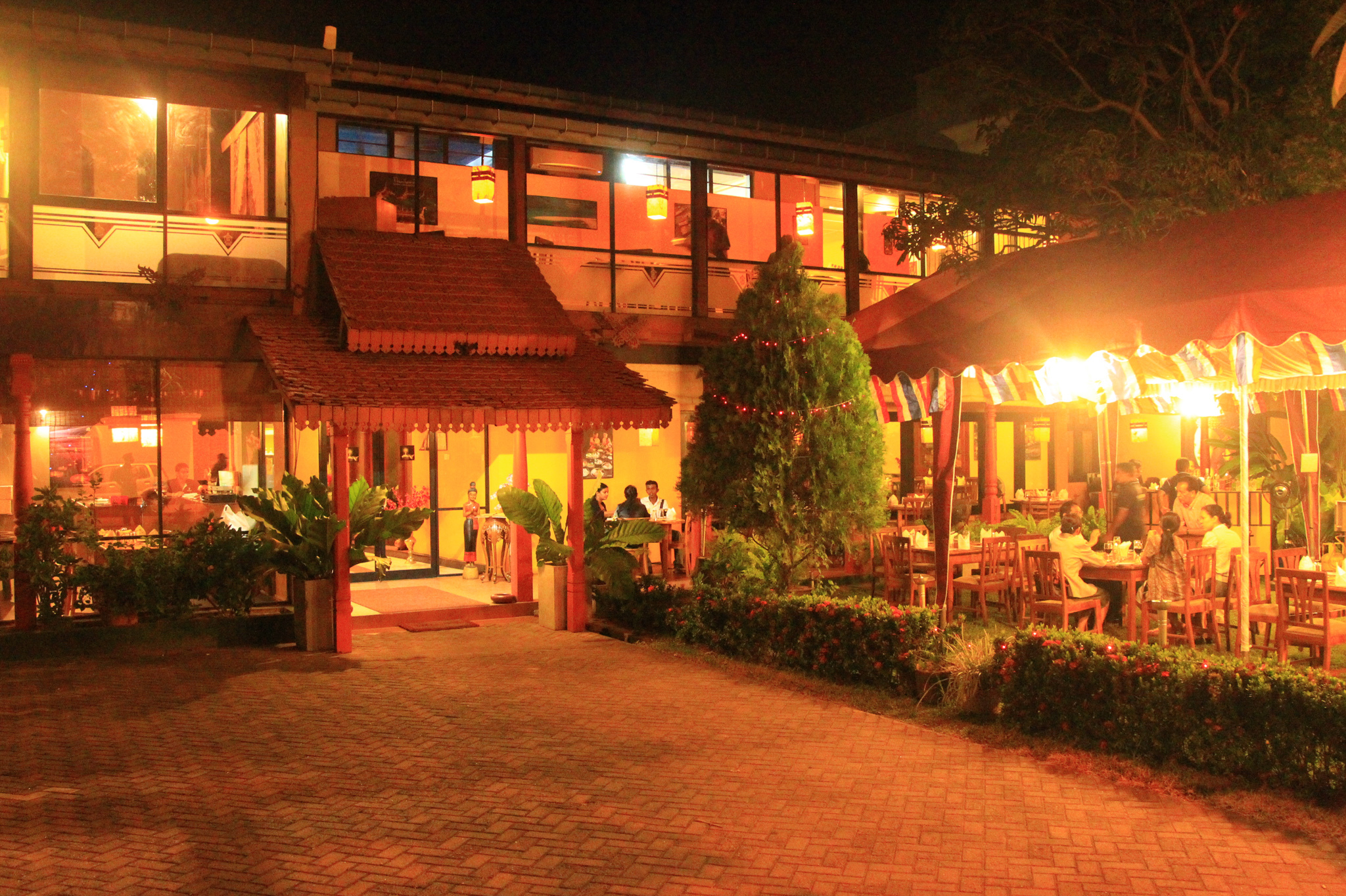 Siam House is a restaurant in Colombo