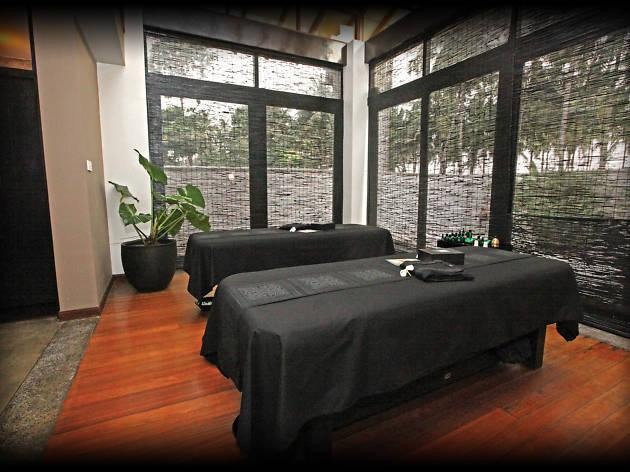 Spa Ceylon is a spa in Kalutara