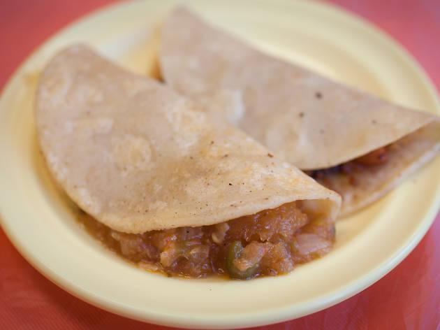 Tacos de canasta papa at La Chilangueada
