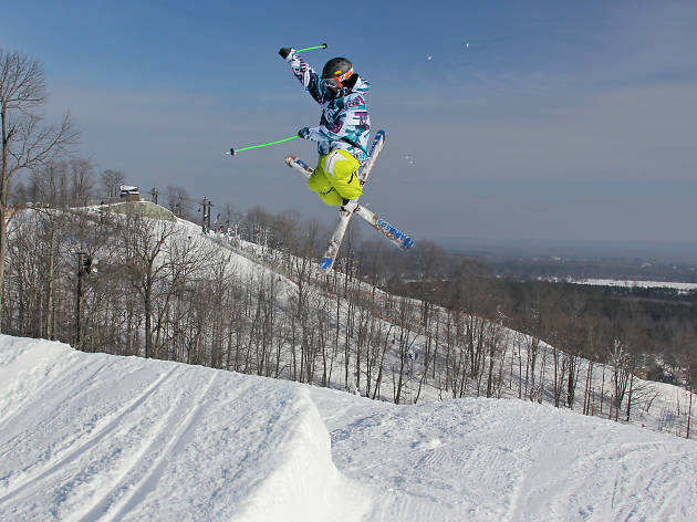 Snowboarding and skiing near Chicago