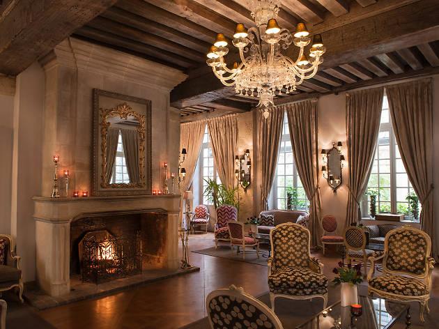Hôtel d'Aubusson fireplace
