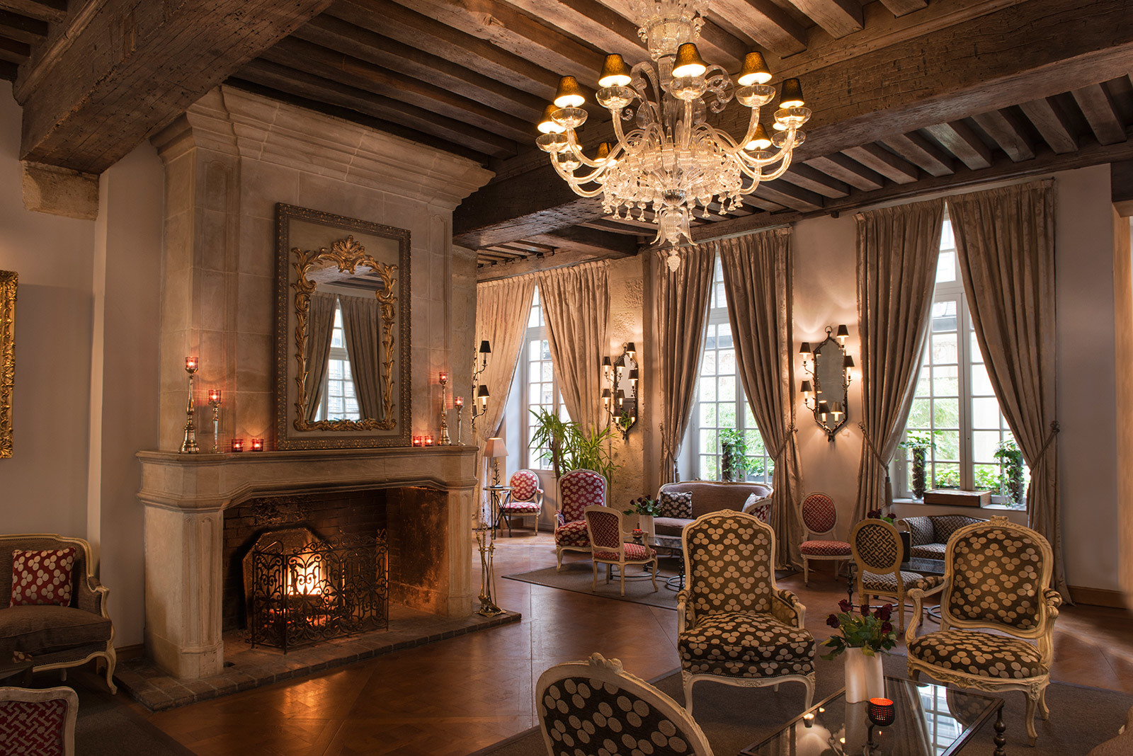 Paris 39 best bars and restaurants with open fires time for Hotels design en france