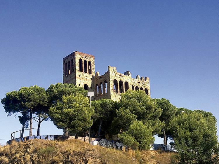 Subir al castillo de Torre Baró