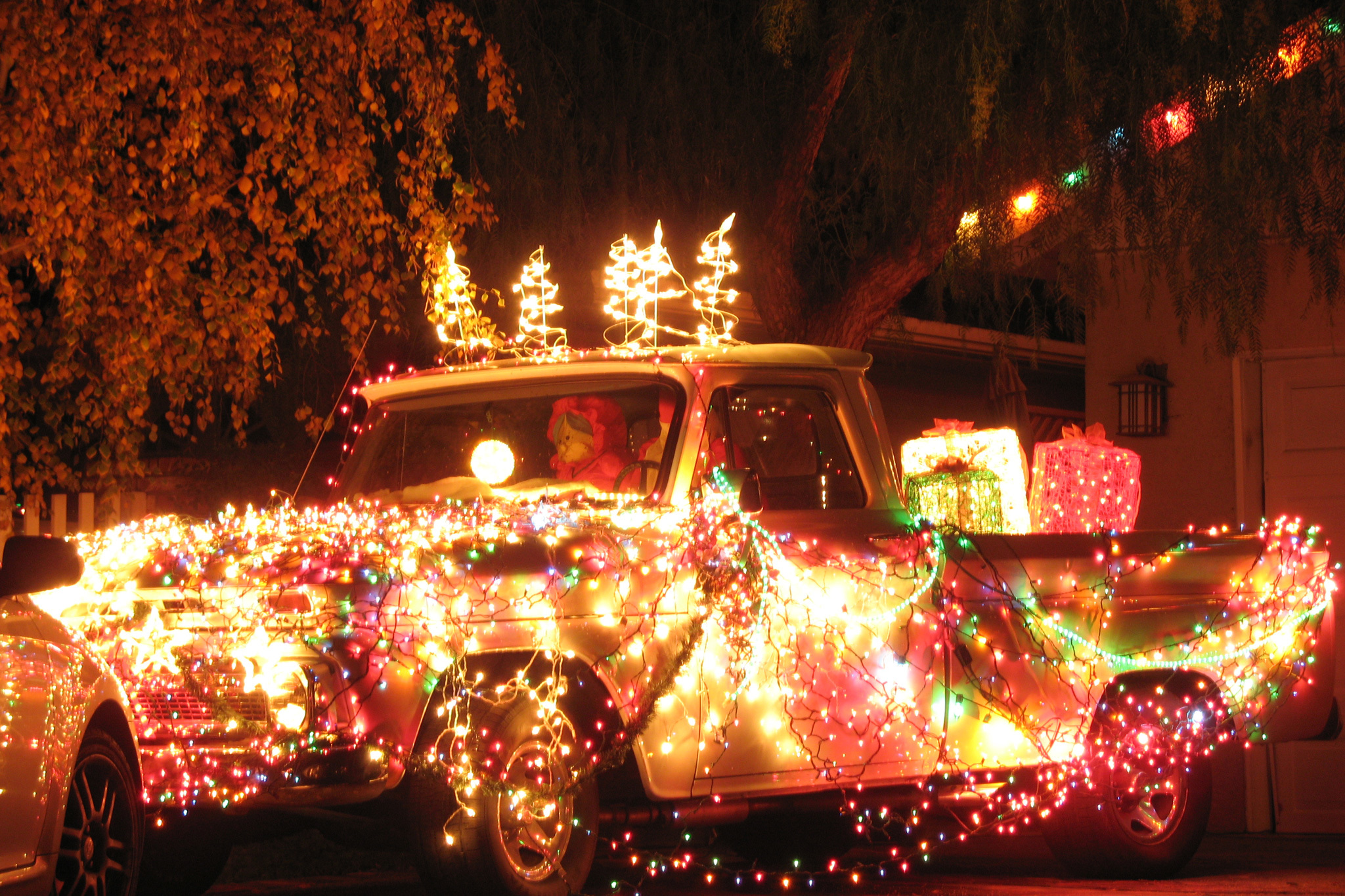 Christmas lights in Los Angeles: Candy Cane Lane