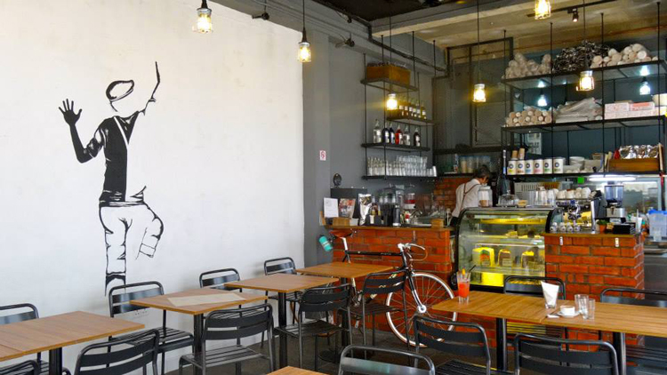 10 best Muslim-friendly cafes