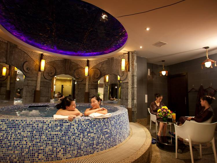 Knead your stress away at g.Spa
