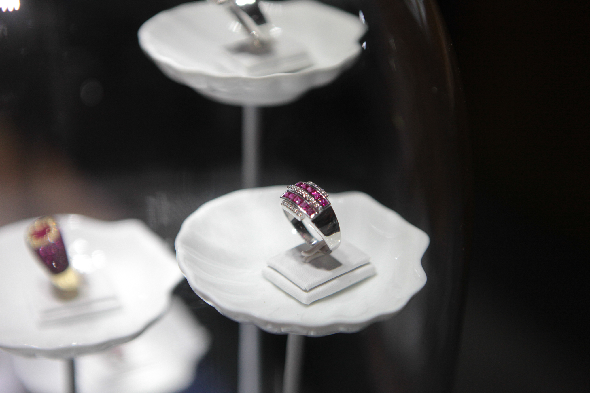 Colombo Jewellery Stores is a high end jewellery store in Colombo