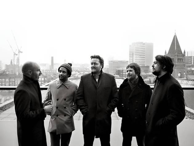 All I want for Christmas is that guitar signed by Elbow