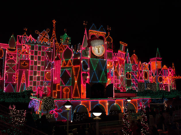 Christmas lights in Los Angeles: Where to find holiday lights