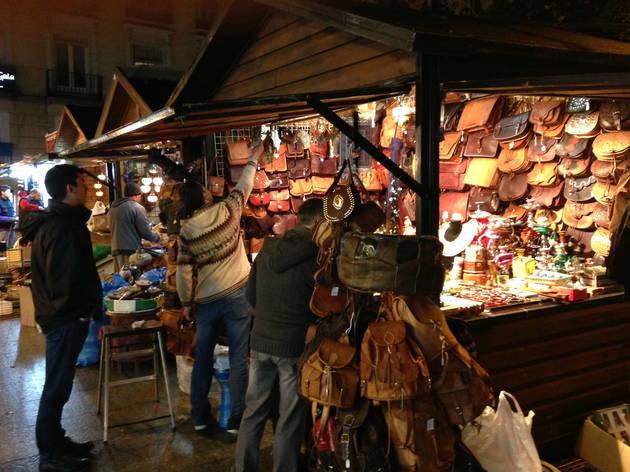 Craft fair at Plaza de España