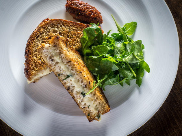 Burrata grilled cheese at Recette
