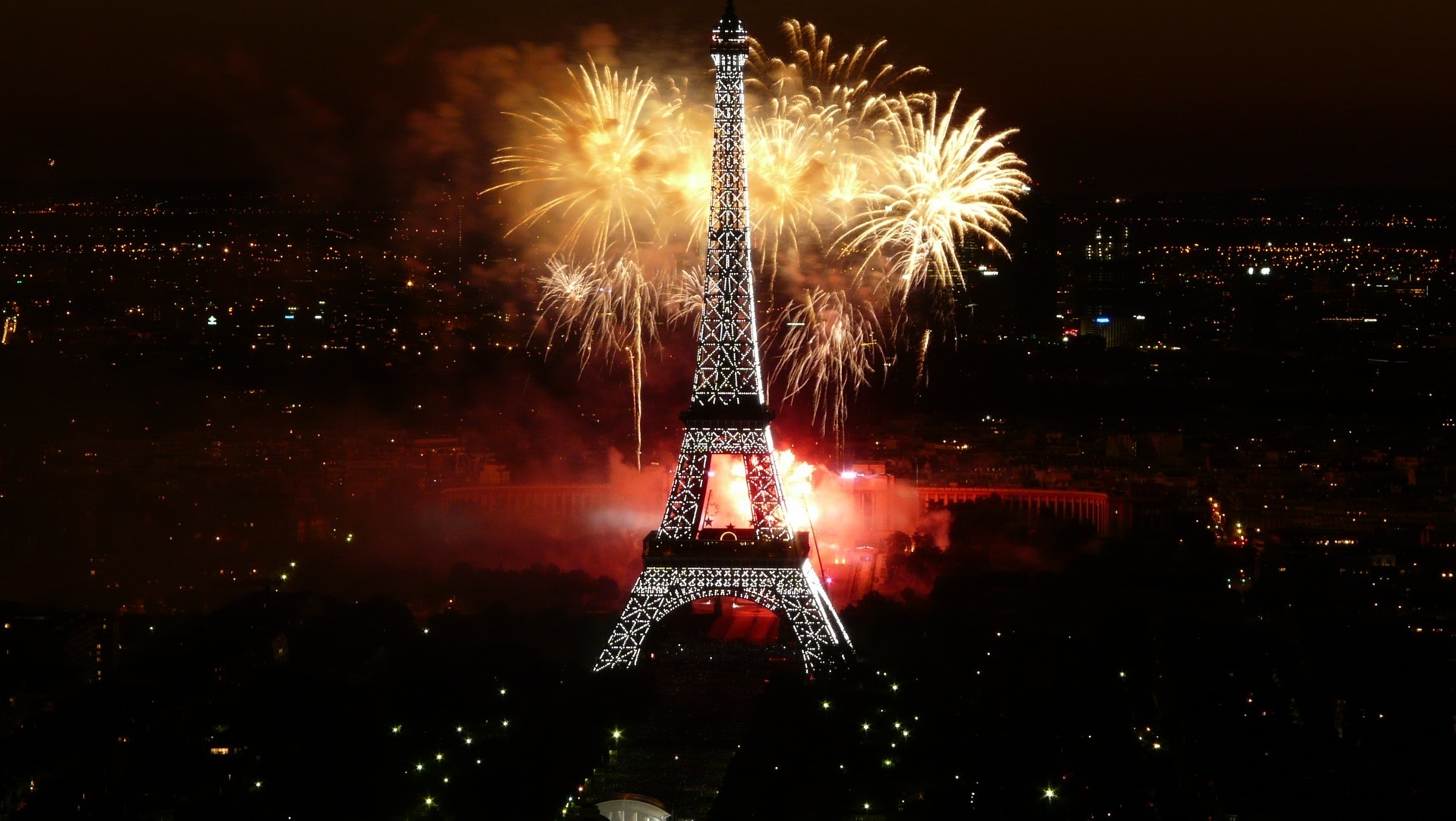 Tour Eiffel feu d'artifices