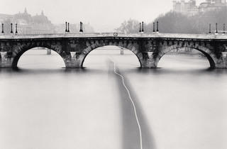 (Michael Kenna, 'Passing Barge', Paris, France, 1988 / © Michael Kenna / Musée Carnavalet)