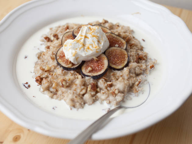 Oatmeal with figs at Baker Miller bakery & millhouse.