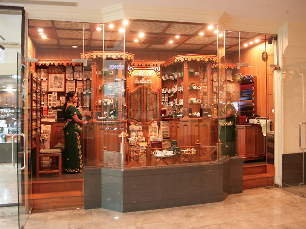 Mlesna Tea Centre is a tea shop in Colombo