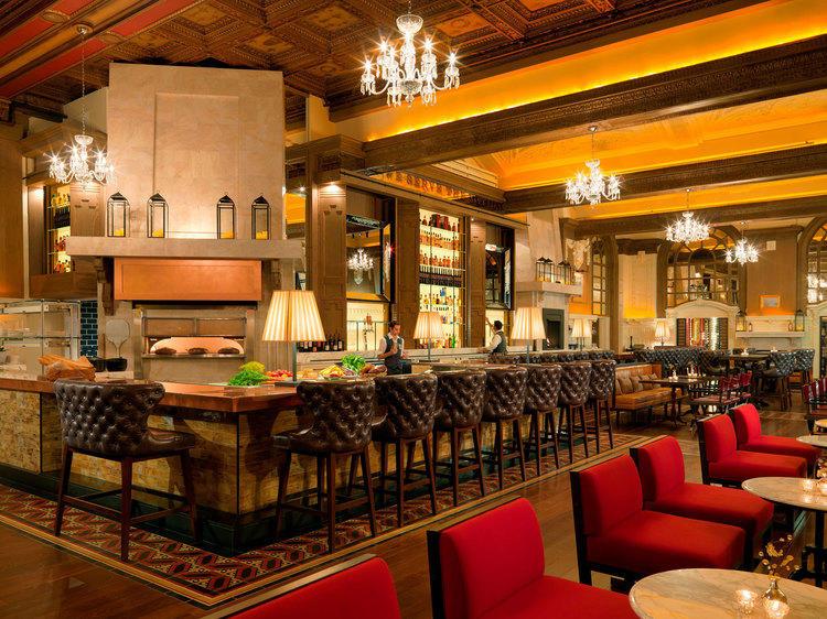 OAK Long Bar & Kitchen